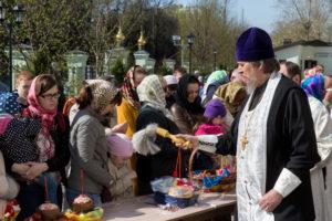 Великая суббота. Освящение куличей и пасок. 30 апреля 2016 года.