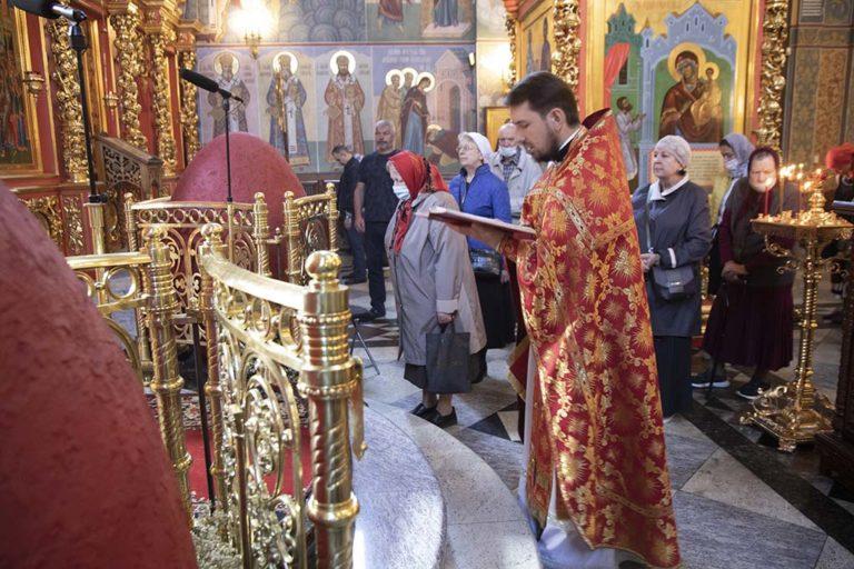 Перенесение мощей святителя и чудотворца Николая из Мир Ликийских в Бар.