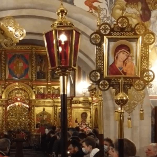 Крестный ход в Светлую Седмицу в храмовом комплексе прп. Сергия Радонежского на Рязанке